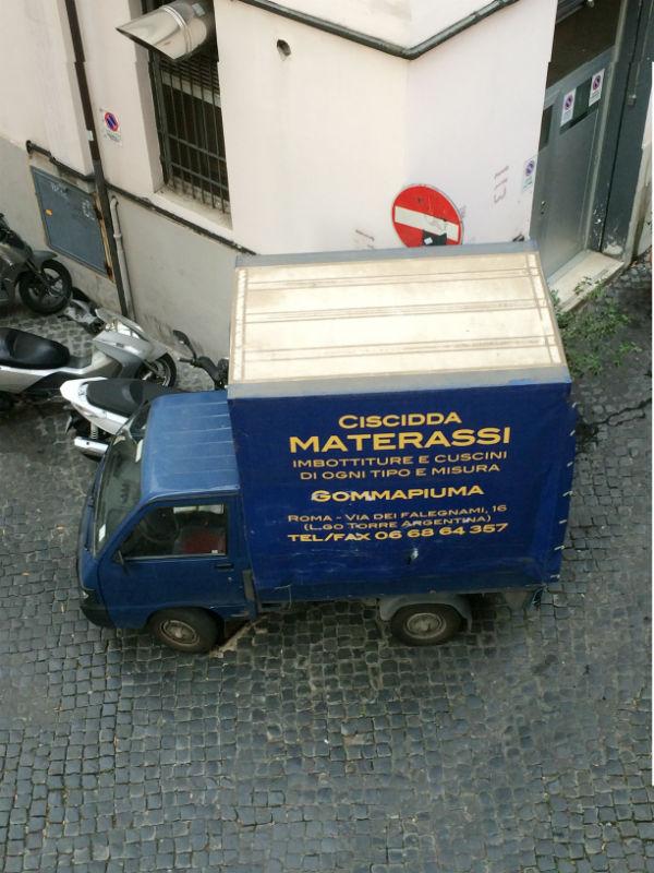 Appartement in Rome te huur. Om de hoek van Colosseum. Hier tijdens make-over.