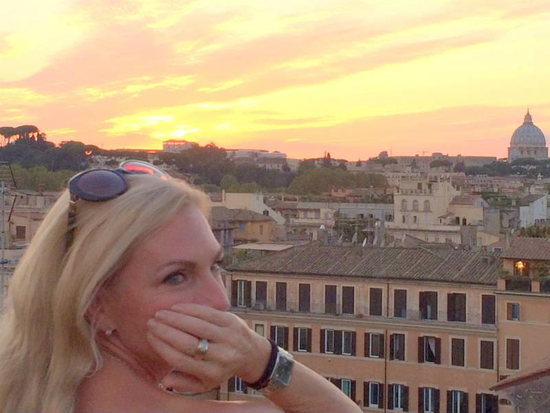 Lisa van de Pol van Italian Summers in Rome. Uitzicht vanaf dakterras hotel Campo de Fiori in Rome